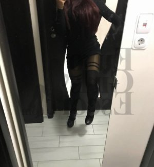 Suzette escort girls