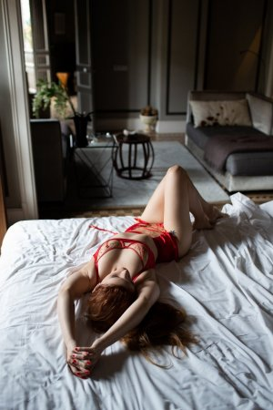 Amelyne escort girl in Newport News