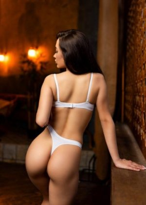 Salena tantra massage in Eagle & escort